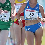 Girls race: Orla OConnor (24) and Alessia Mastronicola during the race