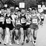 Men - 20 km - Again the leading pack (b/w by Juan Ramilo POR)